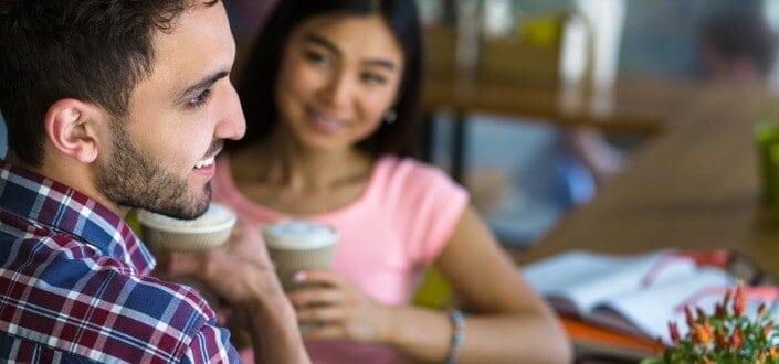 """8 Trucos para Mantener una Conversación con una Chica - No """"Filtres"""" tus Pensamientos"""