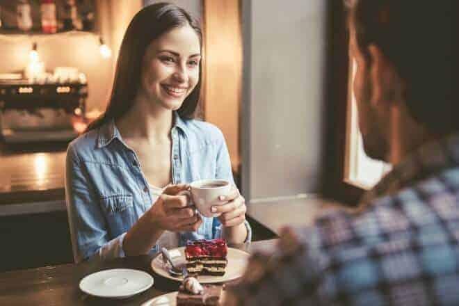 8 Trucos para Mantener una Conversación con una Chica - post