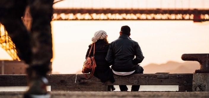 8 cosas que las mujeres aman - A las chica les encanta cuando un hombre hace esto - Escúchala activamente