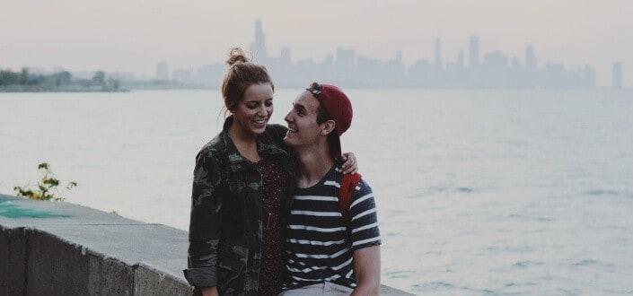 19 cosas románticas que puedes hacer para tu novia. - Presumir de ella