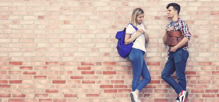 10 señales poco conocidas de que una chica quiere que se acerquen a ella. - Muñecas expuestas