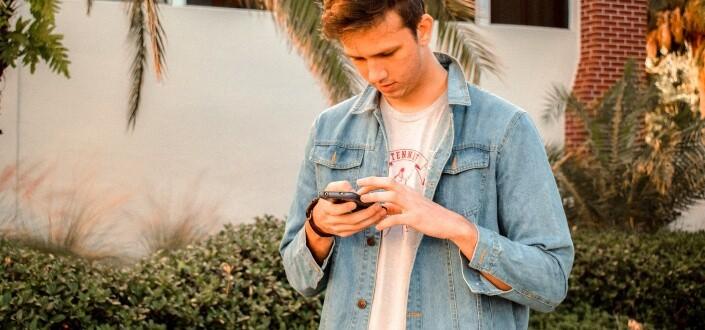 Cómo Coquetear Como Un Campeon Via Texto Y Obtener A La Chica - Ten cuidado con los mensajes de texto por la noche