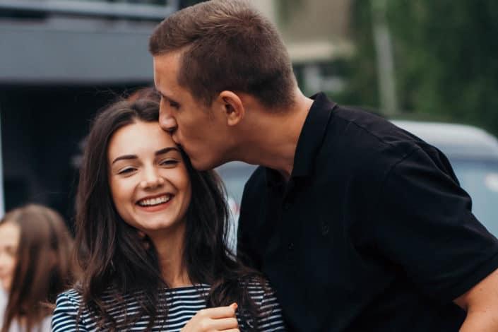 """Piropos románticos para mi novia - Contra la enfermedad llamada """"tristeza"""" mi medicina eres tú.jpg"""