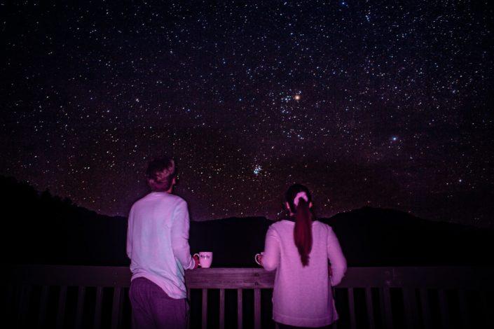 Hablé con la luna porque se le perdieron algunas estrellas y me dijo que yo estaba con la más bella.jpg