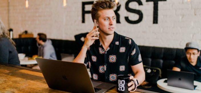 5 preguntas para conocer a alguien en una entrevista telefónica.jpg