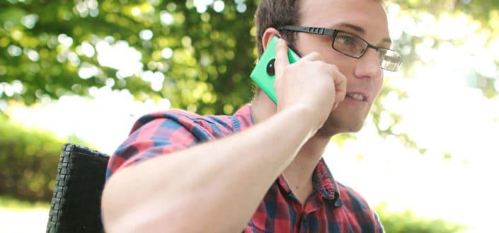 6 preguntas para romper el hielo en una entrevista telefónica.jpg