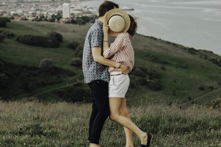 ¿Tu primer beso fue muy incómodo?.jpg