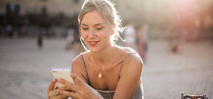 4 preguntas personales para hacerle a una chica por mensaje de texto.jpg
