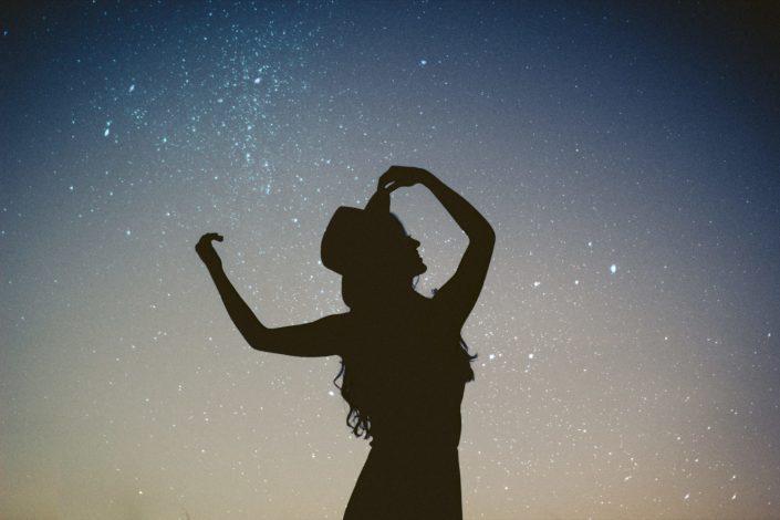 Caíste del cielo porque opacas a las demás estrellas.jpg