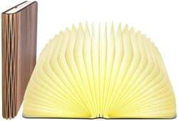 Lámpara en forma de libro