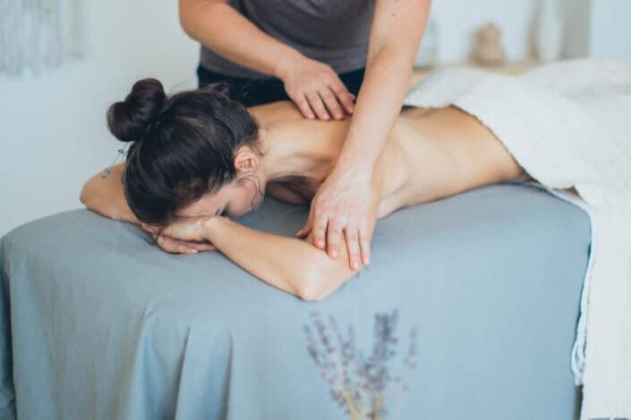 ¿Qué es mejor: dar un masaje o recibir uno?.jpg